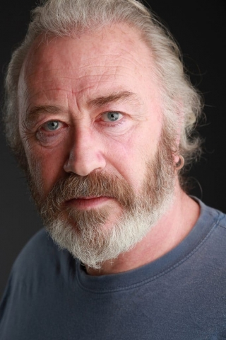 Frank Jakeman actor headshot in colour by vincenzo photography